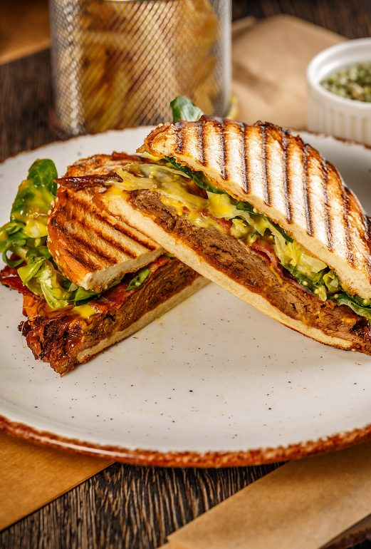 nyhtöporsas sandwich