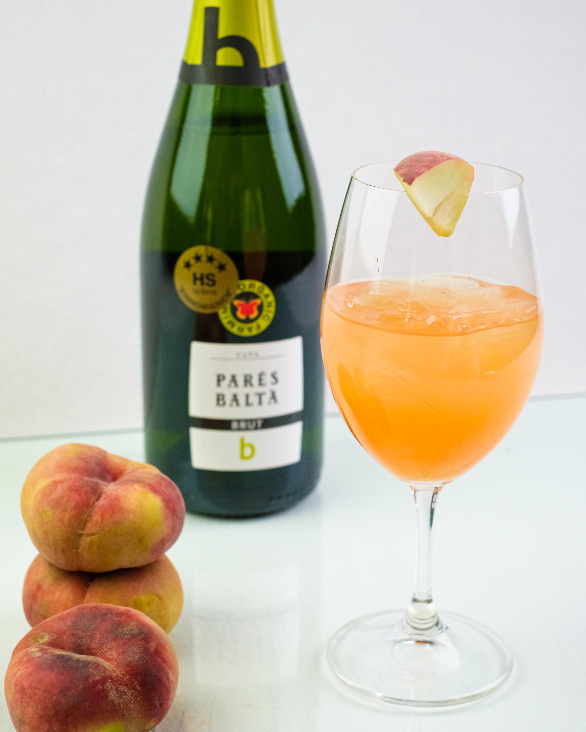 Parés Balta Cava Brut B ja kesädrinkki persikka